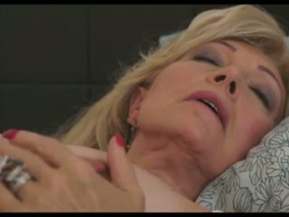 Szuzanne: Mature & MILF HD Porn Video