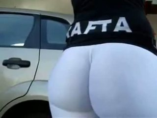 Big Round White Booty In The Gas Station