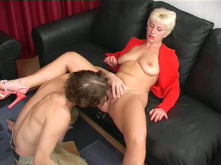 Shaved Moms 2: Free 2 Moms Porn Video da