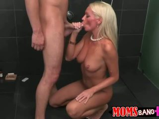 Diana got her pussy pounded from behind