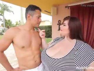 Big Tit BBW Lexxxi Luxe Fucks the Latino Gardner