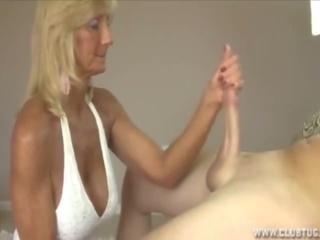 Blonde Granny Handjob, Free Club Tug Porn af