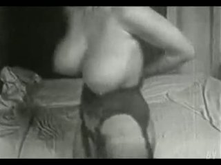 Unseen Video Of Huge Boobs Housewife