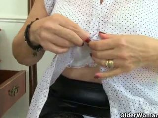 "English granny Savana is fingering her old pussy <span class=""duration"">- 12 min</span>"