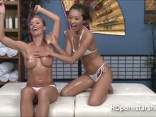 Hot Nicole Lesbian Scissor Sex Live