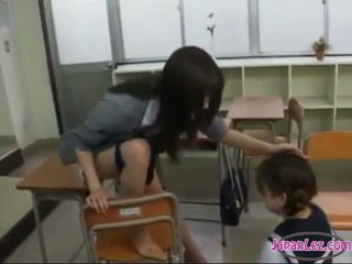 Schoolgirl Drawing Teachers Pussy Getting Her Tongue Sucked In The Classroom