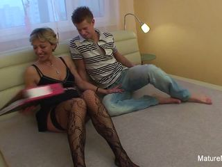 Confused Blonde Granny gets some Sexual Assistance: Porn 37