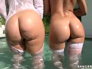 Rachel Starr and Nikki Stone