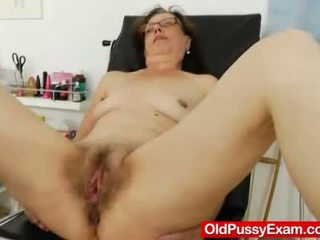 Playful ripe gyno at the clinic