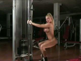 Krisztina Sereny 01 - Female Bodybuilder