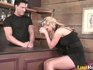 Anal Screwing is the Best with Pretty Phoenix Marie...