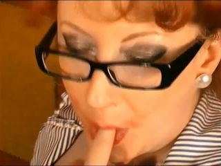 Reds a Good Girl: Cum Swallowing Porn Video 12