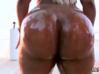 Fat Oiled Ass Ebony Gizelle XXX