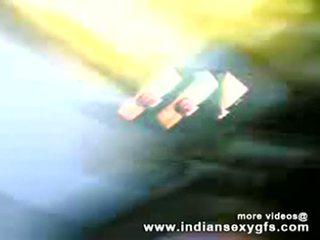 Desi Bhabhi housewife Cocksucking fucking - indiansexygfs.com